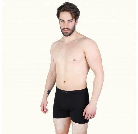 Seamless men's boxer shorts